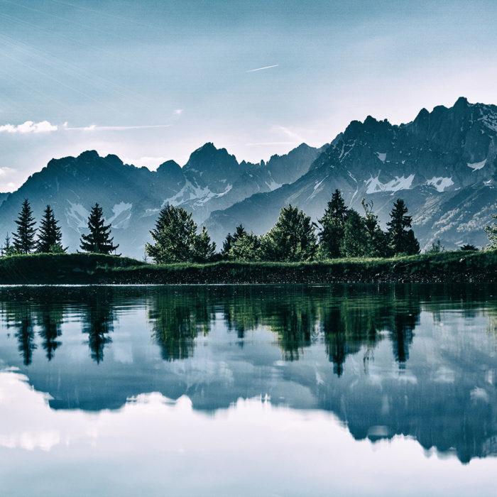 Reflex Mountains